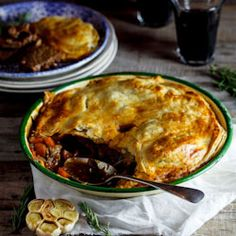 Recipe for slow-cooked lamb, rosemary and roasted garlic pie. Swap lamb for beef. Lamb Recipes, Pie Recipes, Cooker Recipes, Dinner Recipes, Baking Recipes, Recipies, Lamb Pie, Ma Baker, Slow Cooked Lamb