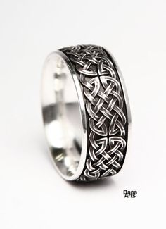 Dana Arts makes beautiful Celtic knot rings. This one is wide and really shows the pattern well with it's three dimensional knot. Celtic Knot Ring, Celtic Rings, Celtic Heart Knot, Mens Celtic Wedding Bands, Perfume, Vintage Engagement Rings, Knot Rings, Rings For Men, Three Dimensional