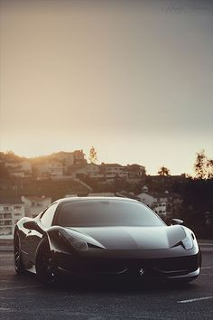 Ferrari 458 Italia (via affluence-de-la-vie)