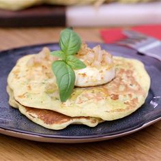 Pancakes de courgettes et parmesan - The Best Easy Recipes Cooking With Kids Easy, Cooking Recipes For Dinner, Vegetarian Crockpot Recipes, Easy Meals For Kids, Healthy Recipes, Healthy Food, Cake Cooking Videos, Food Videos, Cooking Bacon