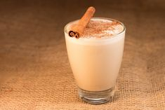 """Most traditional Latin American horchata drinks are liquid diabetes on the go. Not this coconut milk """"horchata"""" drink. The coconut milk, chia seeds. Horchata Drink, Samos, Chocolate Syrup, Beverages, Drinks, Chia Seeds, Coconut Milk, Whipped Cream, Glass Of Milk"""