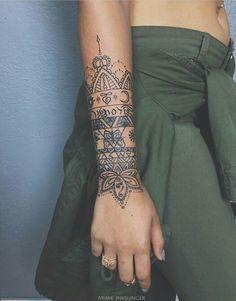 Delicate & Pretty Hand, Wrist & Forearm Tattoos for Women Life Tattoos, Body Art Tattoos, New Tattoos, Hand Tattoos, Sleeve Tattoos, Tatoos, Henna Tattoo Designs, Tattoo Trend, Tattoo Ideas