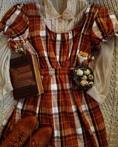 I have been keeping an eye for a handmade or secondhand regency style dress for some time now, and recently came across this beauty. Witch Fashion, Autumn Fashion, Modest Fashion, Fashion Dresses, Retro Fashion, Vintage Fashion, Mommy Style, Mode Vintage, Character Outfits