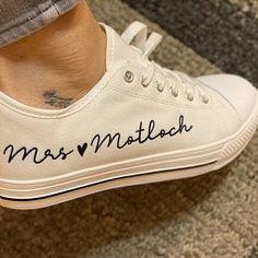 Bride Sneakers, Wedding Sneakers, Bride Shoes, Shoes For Brides, Shoes Sneakers, On Your Wedding Day, Dream Wedding, Summer Wedding, Wedding Converse