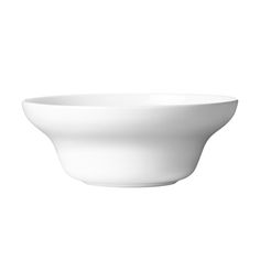 Part of the Alfredo collection, Alfredo bowl is perfect to be used as breakfast bowl or as serving dish. Alfredo is a popular and award-winning collection designed by Alfredo Häberli for Georg Jensen.