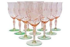 This elegant footed wineglass is perfect for entertaining!