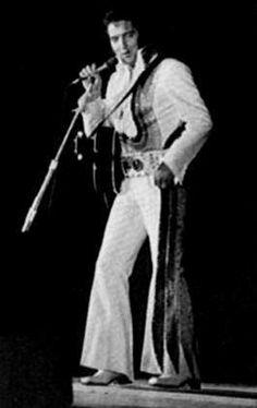 Elvis on stage in San Bernardino in may 20 1974.