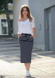 Navy and White Striped Drawstring Pincel Skirt – Look Love Lust Modest Outfits, Skirt Outfits, Modest Fashion, Fall Outfits, Casual Outfits, Cute Outfits, Fashion Outfits, Womens Fashion, Moda Professor