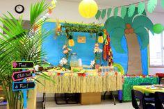 Our preschool Luau Party. Hawaiian decoration ideas.