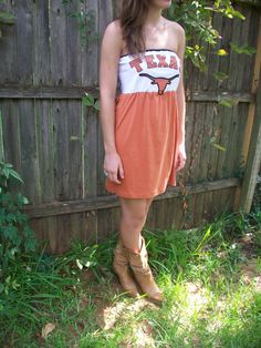 Cute game day dress.