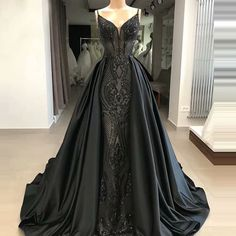 D: No Ready-made Wedding dress! Need Custom-made! A: The dress does not include any accessories such as gloves and the shawl crinoline petticoat (show on the pictures). Pretty Dresses, Women's Dresses, Evening Dresses, Formal Dresses, Elegant Dresses, Summer Dresses, Afternoon Dresses, Flapper Dresses, Gothic Prom Dresses