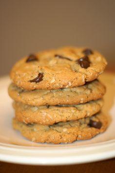 Gluten free peanut butter chocolate chip oatmeal cookies
