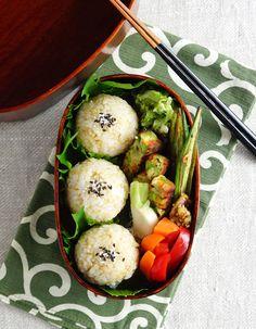 Brown rice balls bento/玄米の丸丸おにぎり弁当