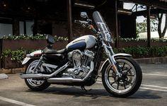 Easy handling for endless miles. | 2015 Harley-Davidson SuperLow