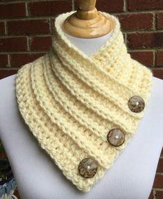 Motorhaube klobig Crochet button ivory cowl, Handmade bulky Boston harbor scarf, Warm and soft neck warmer Crochet Hot Pads, Crochet Diy, Chunky Crochet, Crochet Hooks, Crochet Cowl Free Pattern, Easy Crochet Patterns, Crochet Neck Warmer, Front Post Double Crochet, Hand Knit Scarf