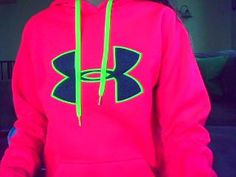 hot pink under armour sweatshirt ♥