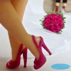 #detalhes 😉😍😘❤️ #biscuit #caketopper #caraarteembiscuit #noivasdobrasil #noiva #buquepink #buquedenoiva #noivas #noivinhospersonalizados #noivinha #topodebolo #topodebolodecasamento #wedding #weddingcake #weddingcaketopper #universodasnoivas #porcelanafria #casamento ❣Orçamentos: caraarteembiscuit@yahoo.com.br, ou mensagem inbox na página https://facebook.com/caraarteembiscuit