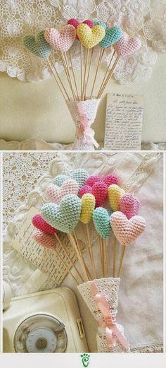Crochet heart bouquet. Perfect for a flower girl or table decorations. Kafijas krūze: Tamborējumi (crochet)