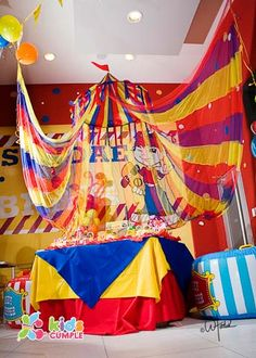 Circus party table decorations