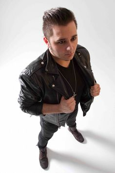 Mason Musso of the platinum-selling pop/rock band, Metro Station, shares a crazy tour story! http://www.digitaltourbus.com/features/metro-station-crazy-tour-stories/#.Uc8Fz_nVCSo