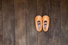 baby shoes / nuinui ++ warang wayan