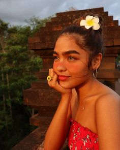 Different Types Of Earrings To Wear Filipina Girls, Filipina Actress, Filipina Beauty, Estilo Kylie Jenner, Beautiful People, Most Beautiful, Gorgeous Girl, Shot Hair Styles, Types Of Earrings