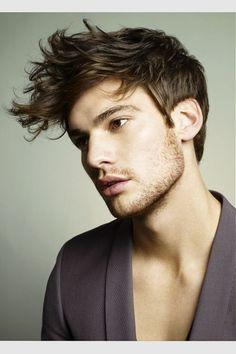 capelli-con-ciuffo-lungo tendenza tagli maschili 2014