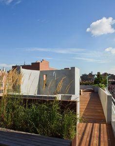 rooftop deck with water feature & shower : Pulltab-Design-East-Village-rooftop-garden