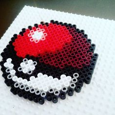 Pokeball Pokemon perler beads by ewolk_