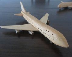 Boeing 747 Jumbo jet plane airliner wooden by Wooden Airplane, Wooden Toy Cars, Wood Toys, Wooden Playset, Airplane Toys, Projects For Kids, Wood Projects, Woodworking Projects, Different Types Of Wood