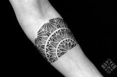 BRIAN GOMES, tattoo artist | The VandalList Coolhuntin'