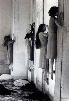 These Disturbing Vintage Photos Are The Creepiest Ever! Haunted Dreams. - grabberwocky