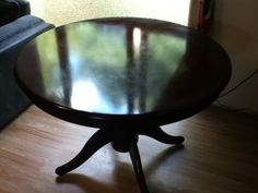 round oak table. collect from hyde e-mail me for more info