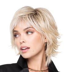 Choppy Bob Hairstyles For Fine Hair, Short Shag Hairstyles, Medium Layered Hairstyles, Short Trendy Haircuts, Layered Bob Haircuts, Hairstyles Over 50, Modern Hairstyles, Medium Hair Cuts, Medium Hair Styles