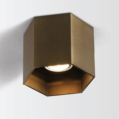 HEXO - Interior lighting Surface mounted 230 volt. Bulb: 1x GU10/MR16 - 0-50 Watt. Color LED: Beam: Not adjustable. Bulb not included. Fixture on mains voltage. Finishing: . LxWxH: 12,7x10cm.