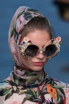00b403d1676f5 Dolce   Gabbana at Milan Fashion Week Spring 2016