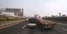 Truck Accident in China - Pickup Truck battle