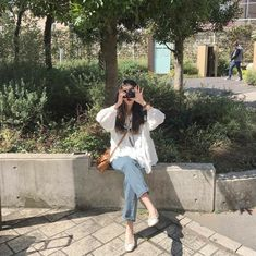 Ulzzang girls icon discovered by ∙⭟ 𝙼𝙸𝙺𝙴𝚃𝙷𝙸𝙲◞ Ulzzang Girl Fashion, Style Ulzzang, Mode Ulzzang, Ulzzang Korean Girl, Korean Fashion Trends, Korean Street Fashion, Korea Fashion, Asian Fashion, Look Fashion