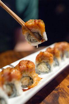 Red Dragon Roll @ Elephant Sushi in San Francisco Sushi Roll Recipes, Raw Food Recipes, Cooking Recipes, I Love Food, Good Food, Yummy Food, Oshi Sushi, Onigirazu, Food Porn