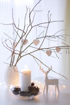 25 moderne Weihnachtsdekoration Ideen - home decor ideas Scandinavian Christmas Decorations, Scandi Christmas, Modern Christmas Decor, Minimalist Christmas, Noel Christmas, Christmas Projects, Simple Christmas, Christmas Ornaments, Christmas Tress