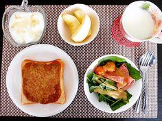 朝ごはん 納豆カレートースト ほうれん草サラダ りんご ヨーグルト 牛乳  #朝食 #朝 #あさごはん #朝飯 #ごはん #おうちごはん #うちごはん #手料理 #洋食 #暮らし #納豆カレー #カレートースト #納豆トースト #トースト #ほうれん草サラダ by snw4324