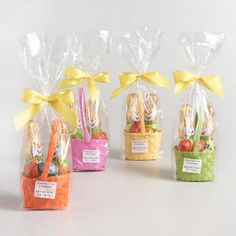 World Market Riegelein Milk Chocolate Egg and Bunny Basket Easter Candy, Hoppy Easter, Easter Treats, Bunny Crafts, Crafts For Kids, Easy Easter Desserts, Easter Gifts For Kids, Easter Bunny Decorations, Easter Baskets