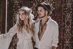 Eine beeindruckende Inspiration für eine Hippie Hochzeit   Friedatheres.com
