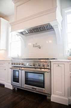 Range with double ovens. Kitchen range with double ovens is by Thermador. #Range #KitchenRange Rangledoubleovens #Thermador Distinctive Remodeling Solutions, Inc