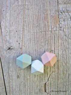 Accessoires-Trend: Geometrische pastellfarbige Halskette // Geometric necklace statement necklace mini pink by ChrimsChrams (München, Deutschalnd)