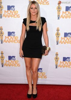 Julianne Hough in Camilla and Marc  — 2010 MTV Movie Awards