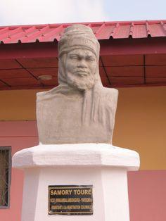 Buste Samory Toure au Musée National Conakry, @VoaygeGuinee