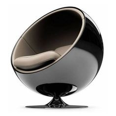 One of the most iconic chairs from 1960s: Eero Aarnio´s Ball Chair, originally designed in 1963 fro Asko, Finland.