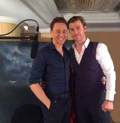 Tom Hiddleston & Chris Hemsworth en Radio Jam