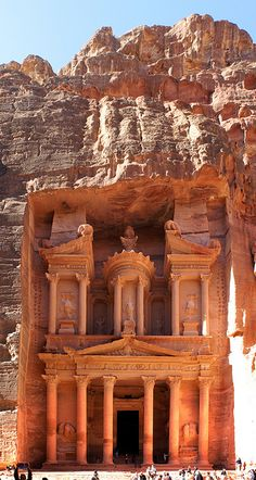 The Treasury at Petra Petra Tours, City Of Petra, Jordan Travel, Seen, Ancient Ruins, Ancient Architecture, Ancient Civilizations, Wonders Of The World, Places To See